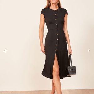 🌟Reformation Fauna black button front midi dress